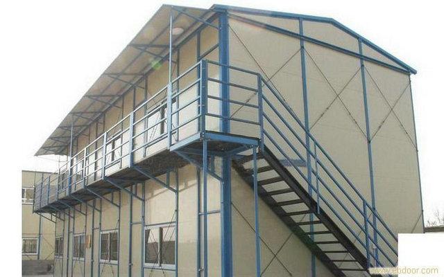 高层轻型钢结构楼房;屋顶加层